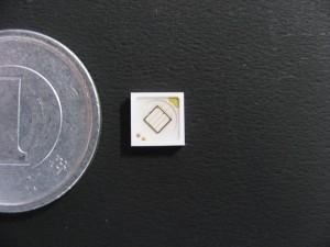 ナイトライド・セミコンダクター,1個の大面積チップによる高効率・超高出力UV-LEDを開発