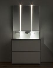 パナソニック,洗面化粧台向け縦型LED照明を発売