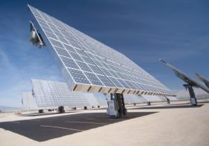 米アモニクス,集光型太陽光発電モジュールで世界最高の変換効率を達成