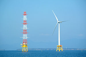 NEDOなど、北九州市沖で着床式洋上風車の実証運転を開始
