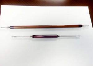 九州工大とウシオ電機、完全封止できる円筒型色素増感太陽電池を開発