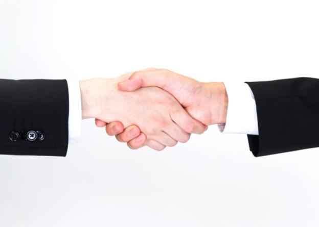 京セラ,光学部品事業子会社を経営統合