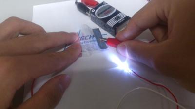東工大,導電性ナノファイバを利用したフレキシブルな透明導電フィルムを開発