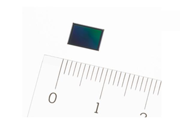 ソニー,像面位相差AF機能を搭載したスマホ向け積層型CMOSセンサを発売