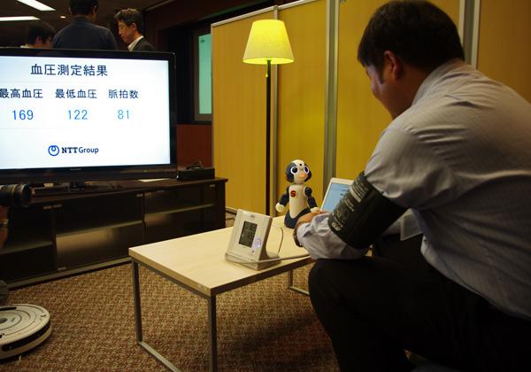NTTら,クラウドによるロボットサービスの検証を開始