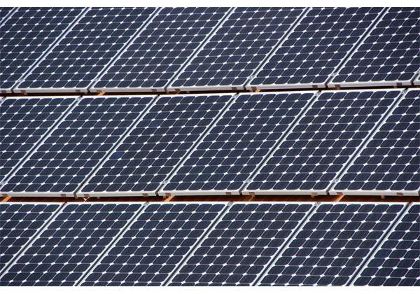 トリナ・ソーラー,単結晶シリコン太陽電池で22.13%を達成